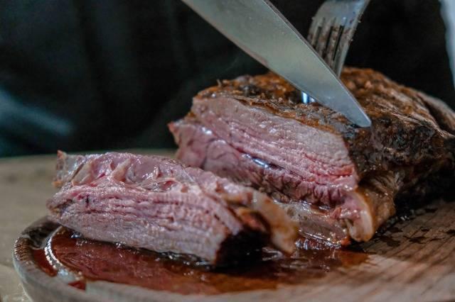 せっかく筋トレしてダイエットしてるのにステーキは太っちゃう?