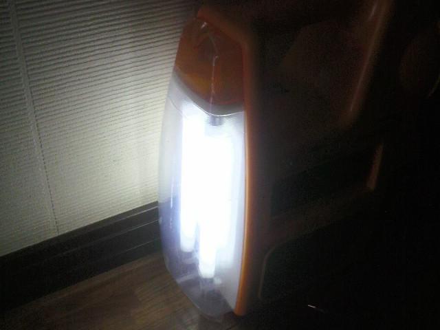 蛍光灯にもなる充電スターターは便利