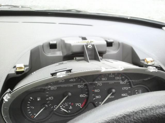 101014プジョー206の車速信号配線