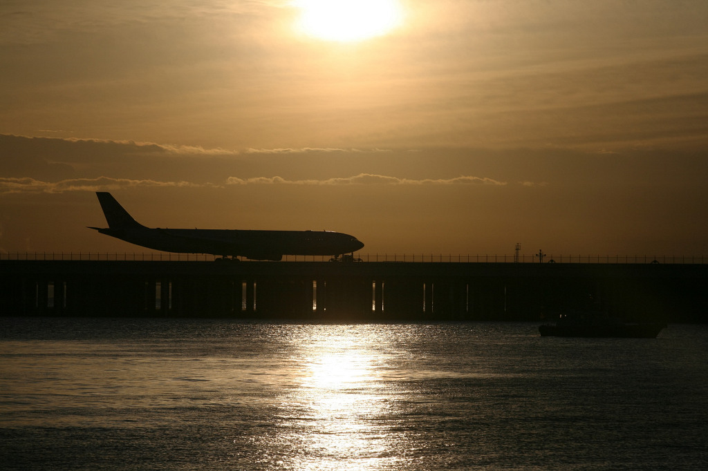 CI B-18351 A330-300