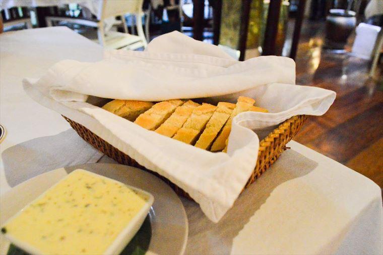 ルアンパバーンのブルーラグーンレストラン パン