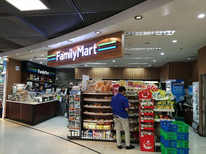 スワンナプーム国際空港2階のファミリーマート