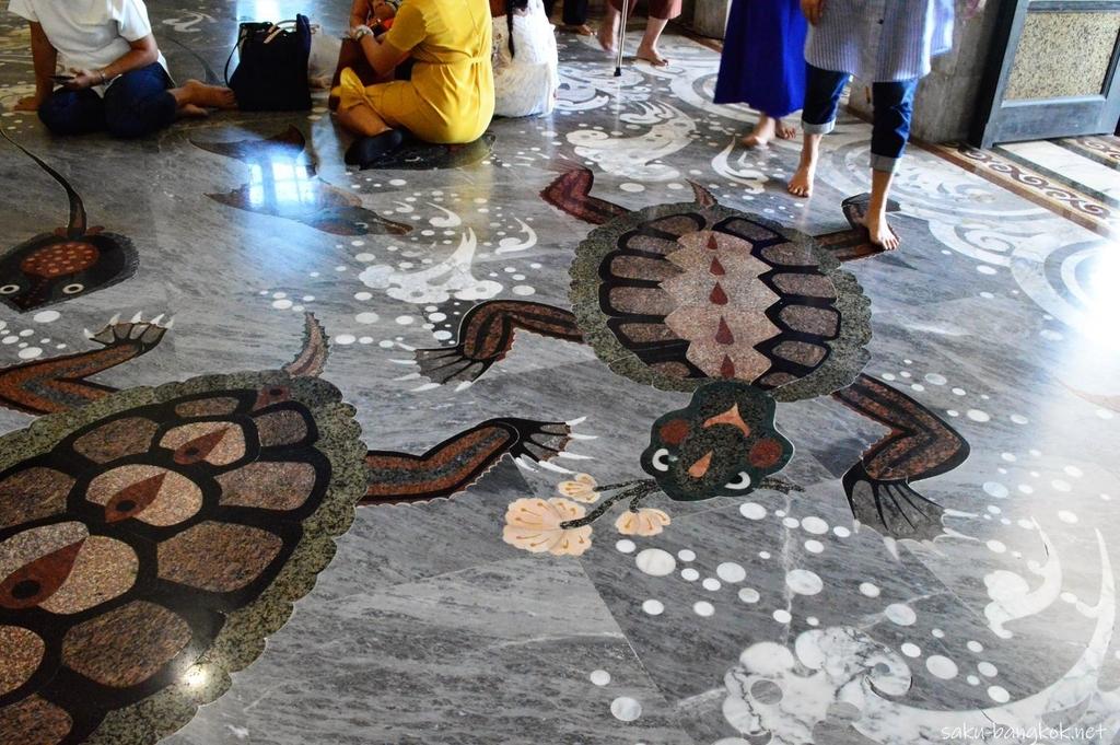 ワットソートーンの床の絵