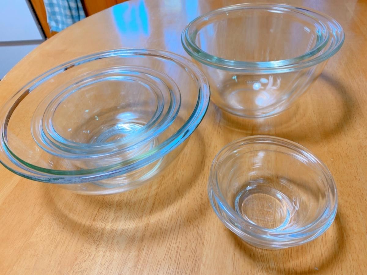 透明のボウルの写真