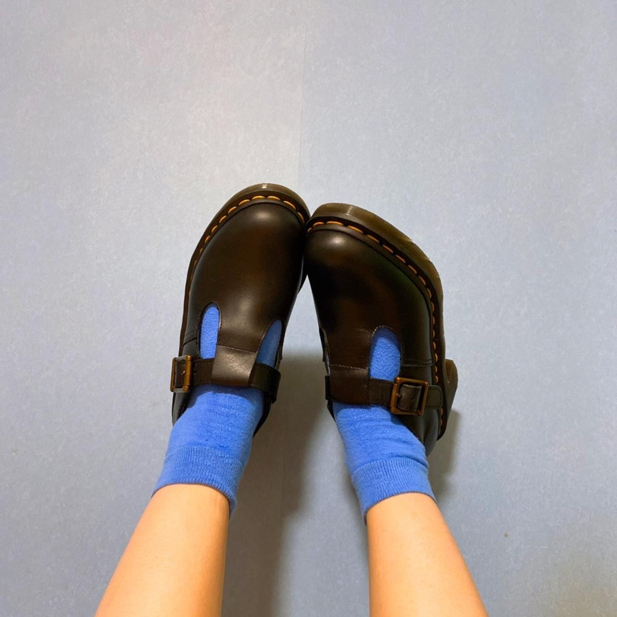 ドクター・マーチンの革靴の写真