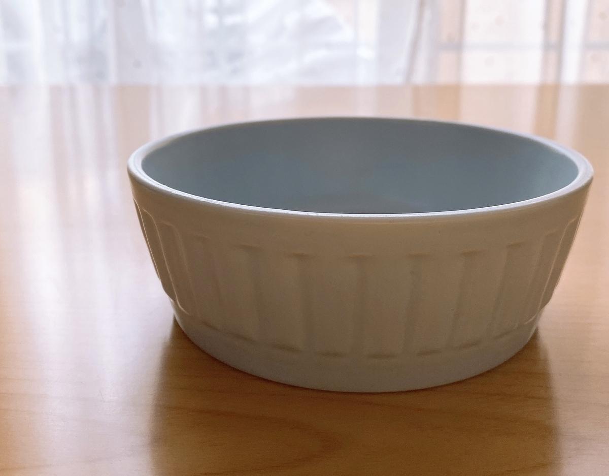 水色のココット皿の写真