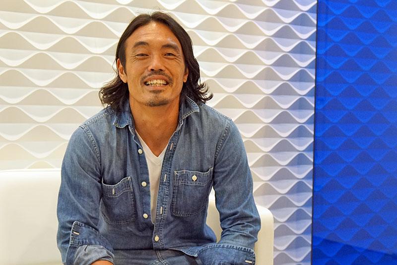 安彦 考真(あびこ たかまさ)さん。1978年生まれ、神奈川県出身。