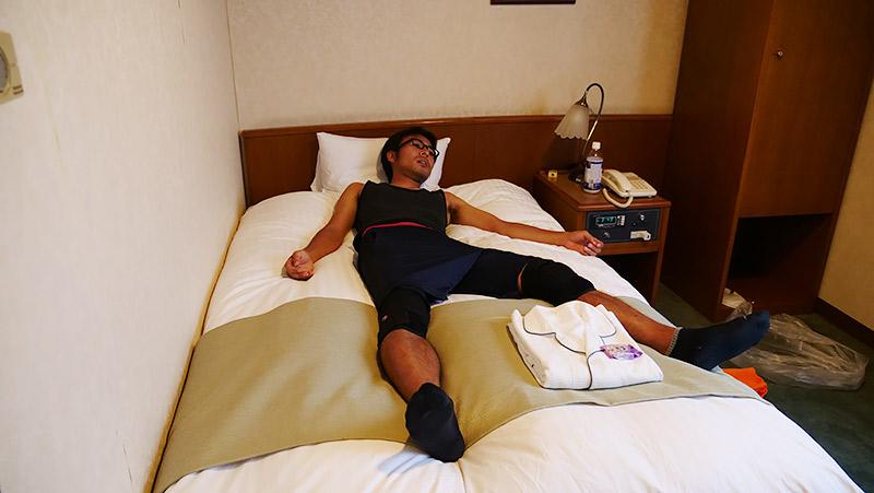 マラソンの後。やっぱりベッドの上だった