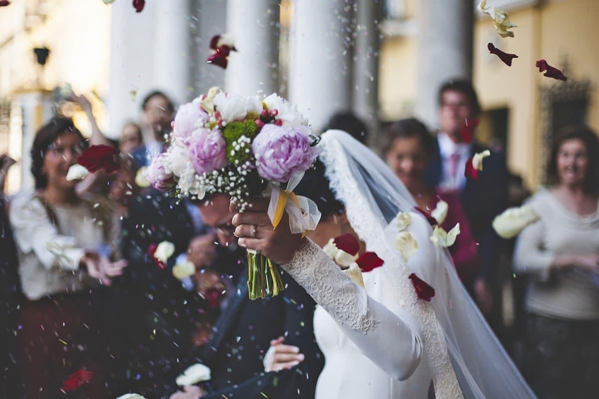「自宅で結婚式は、家が広い神々の遊び」外資系IT企業の社員が語る、現実的なコロナ後の結婚式