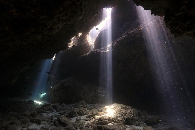 【撮影:鍵井さん】このような地形ポイントで、光を楽しむこともできる。