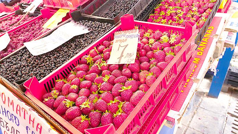 イチゴを買って、
