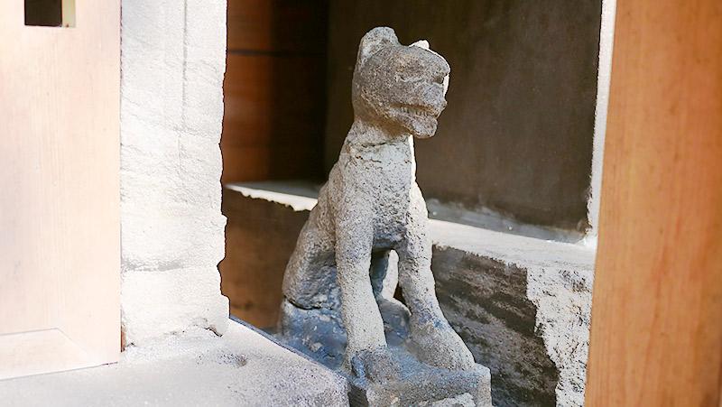 これもオオカミの狛犬(東京大田区・多摩川浅間神社)