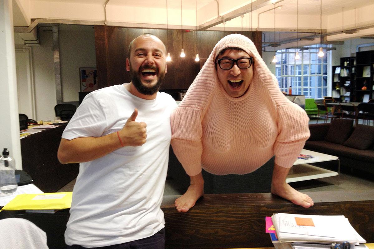 オファーしてくださった広告制作会社の担当者さん(写真左)