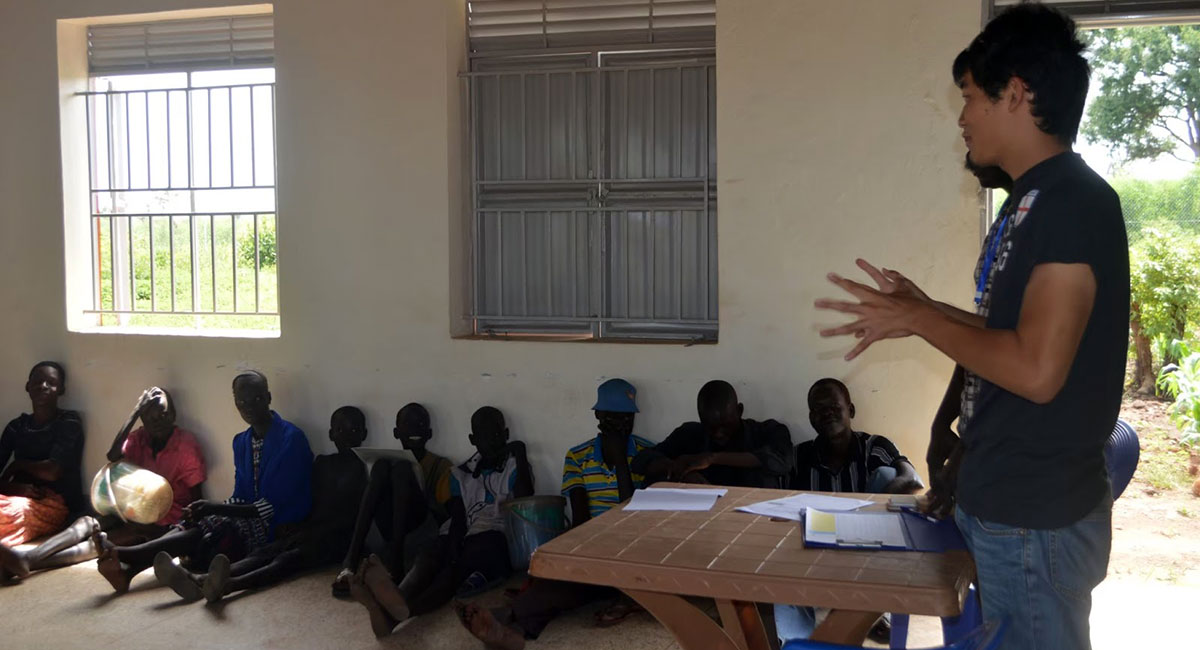 東アフリカのウガンダで難民支援に携わっていた時の筆者