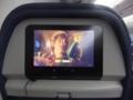 座席にテレビがあり映画を3本見ました