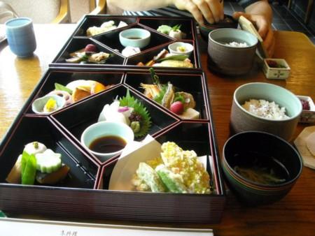 京都でのお昼の画像