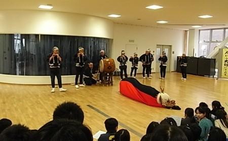 地域・歴史伝統の中の祭り唄、獅子舞の画像