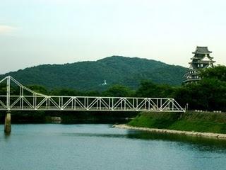 岡山城と後楽園を結ぶ橋  A.カニングの画像