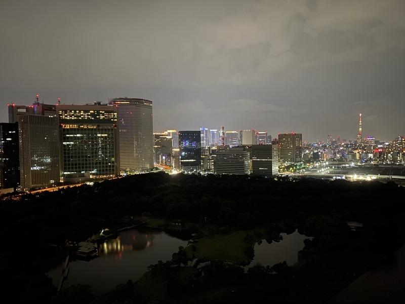 バルコニー夜景