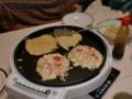 夕飯は、仲良くお好み焼き(-^o^-)
