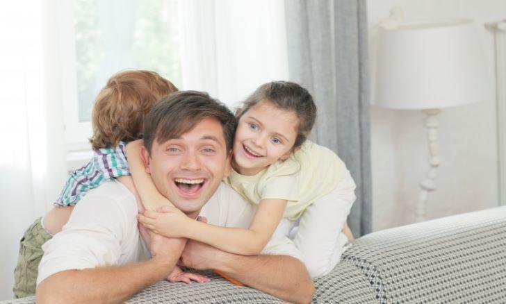 夫婦の仲いい姿は子供は心地いい