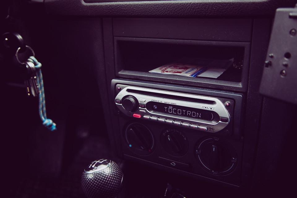 車での音楽の聴き方の変遷