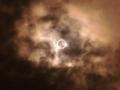 [twitter] 雨空の中、意外にいけた!金環日食!グラス不要でスマートフォンの