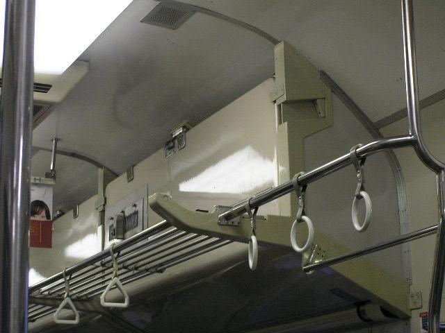 国鉄419系 車内 食パン列車 座席上部 上段ベッド格納