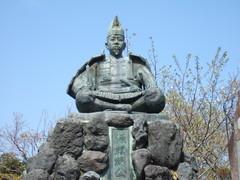 源氏山公園の源頼朝像