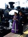 [鉄道]SL函館大沼号と客室乗務員と函館駅駅長