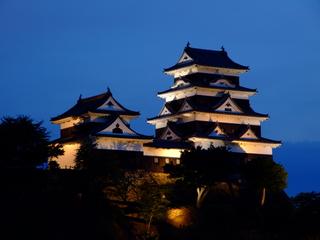 大洲城天守及び台所櫓(ライトアップ)