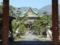 甲斐善光寺山門から本堂を望む