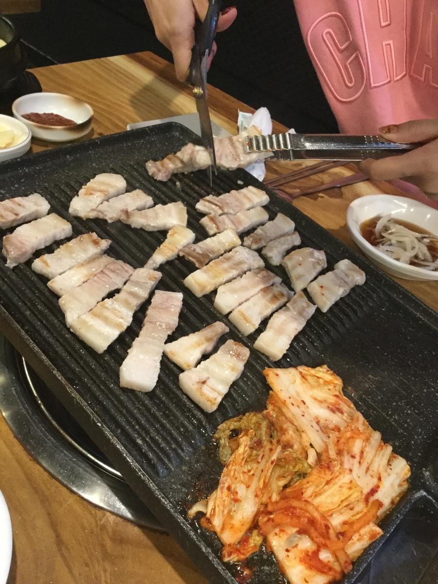 韓国 一人 サムギョプサル