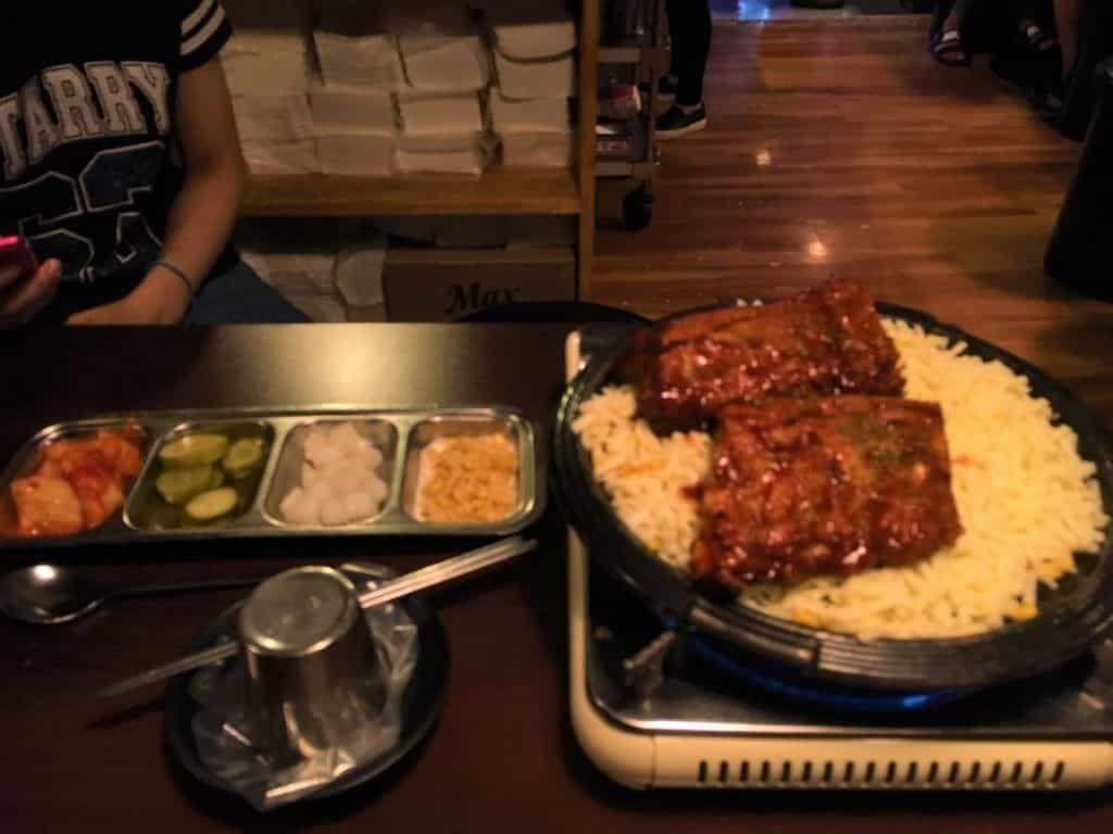 韓国グルメ 明洞 ミョンドン チーズ 骨付きカルビ
