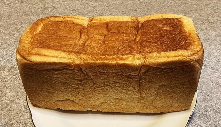ワンハンドレッド食パン