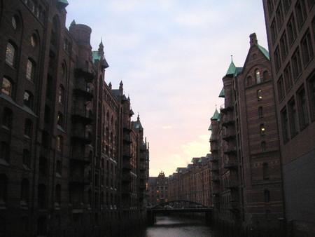 3月、ハンブルグの夕暮れ