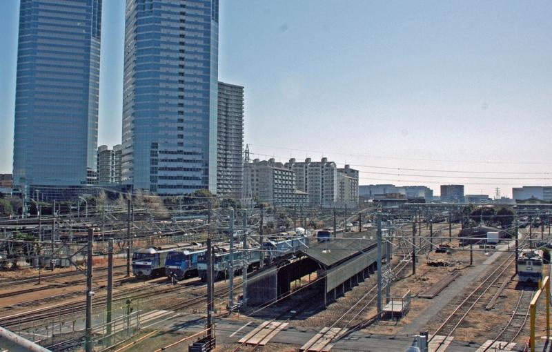横須賀線・新川崎駅