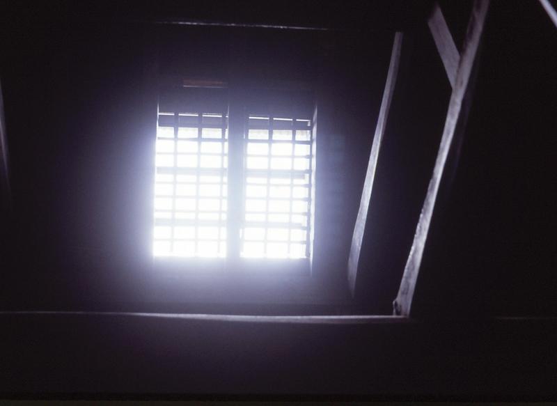天窓(静岡県松崎町大沢温泉ホテル)-84.07-