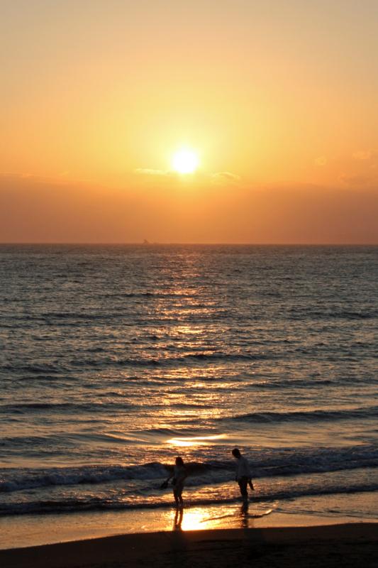 江の島西浜海岸の夕日-1-14.11