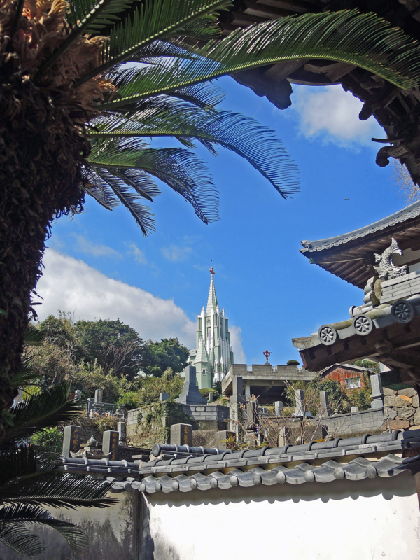 寺院と教会の見える風景(長崎)-2-15.03