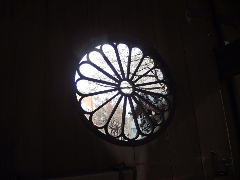 靖国神社の桜-3-16.04
