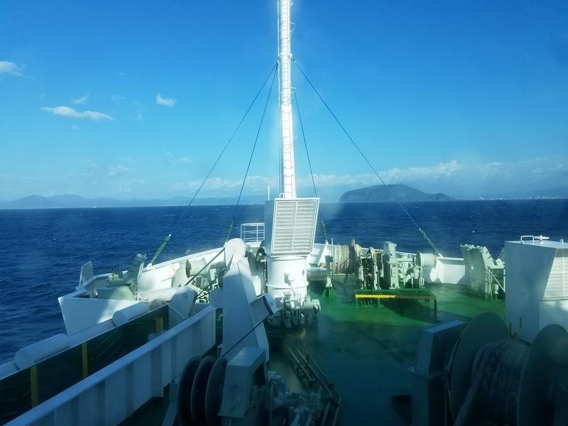 海峡フェリーから函館山(函館市)-1-18.09
