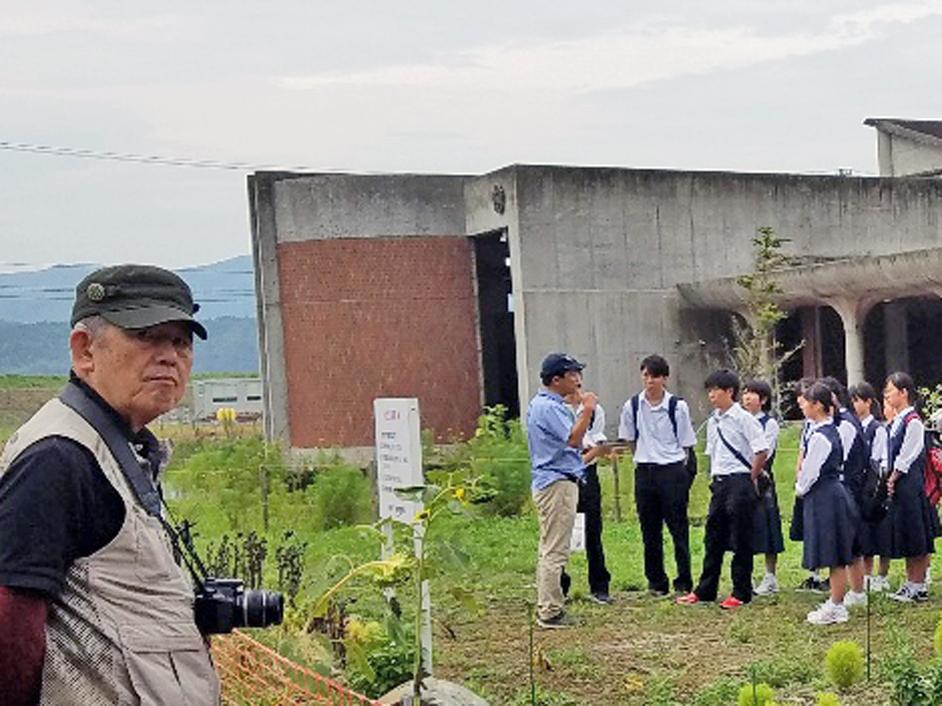 大川小学校にて-1-18.09