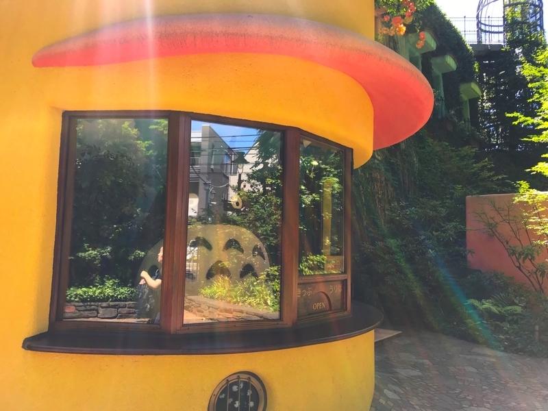 三鷹の森ジブリ美術館の入り口のトトロ