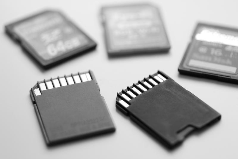 アクションカメラのマイクロSDカード
