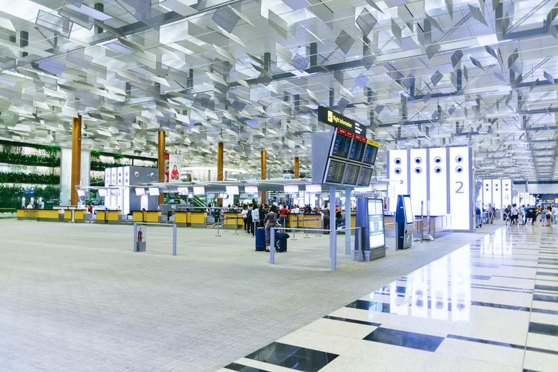 海外の空港(現地のSIMカードを手に入れる)