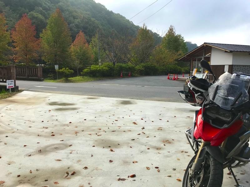 備中松山城のバイク駐輪場