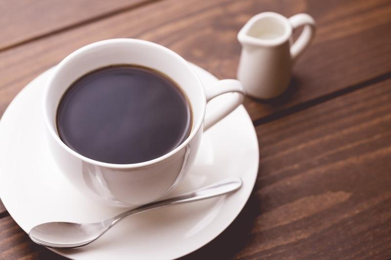 コーヒーメーカーで淹れたコーヒーのイメージ画像