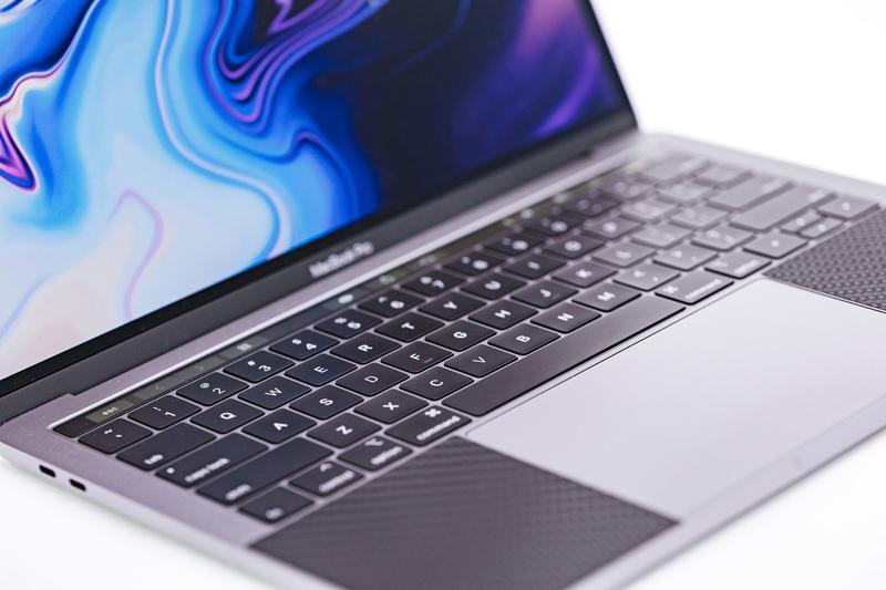 フリーランスのパソコン(MacBook)