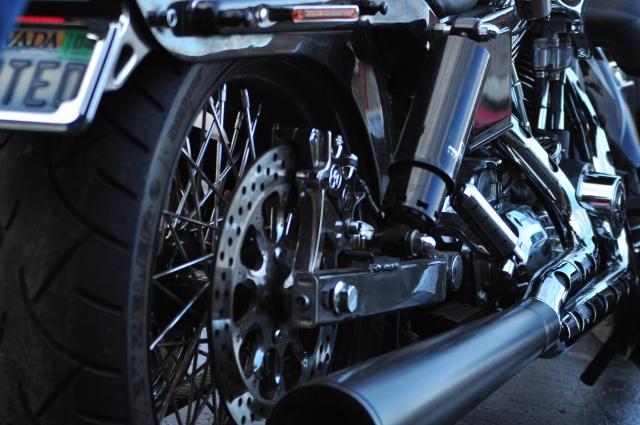 バイクカバーが当たるバイクの熱い箇所(マフラー・エンジン)